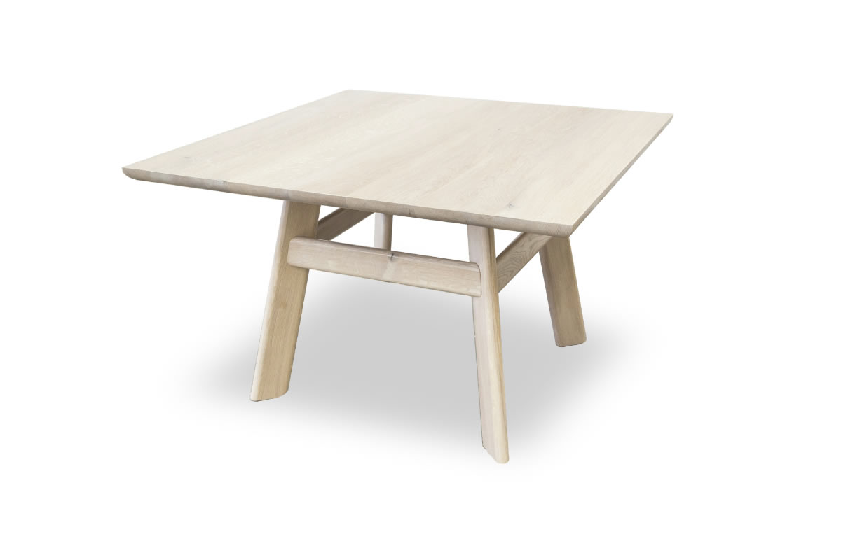 4.OFH Yogi table oak persp