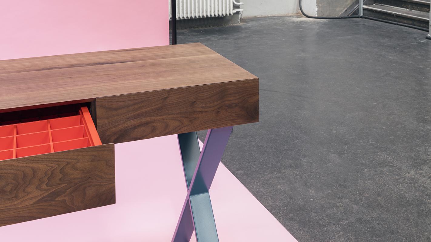 Wähle aus unzähligen Grössen, Holzarten und Farben. So entsteht dein Unikat