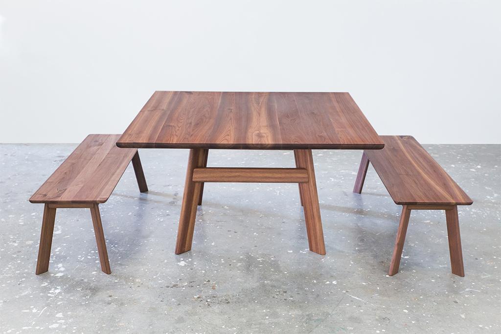 OFH Yogi table + bench walnut